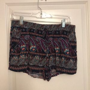Pants - Patterned Shorts